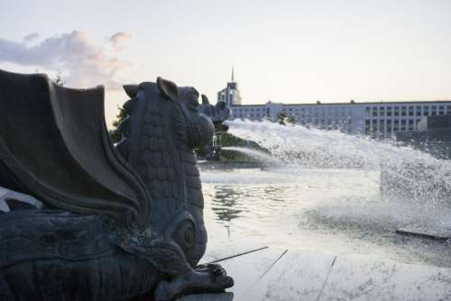 dragon fountain water landmark sculpture