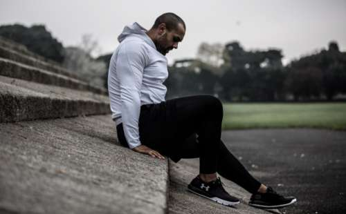 Personal Trainer Aaron working out in Phoenix Park Dublin
