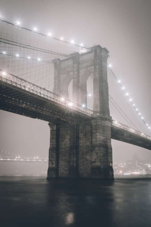 brooklyn bridge city new york fog
