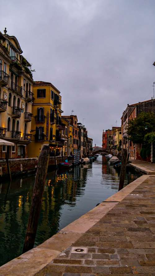 Venice Docks Italy Channel Boats Houses