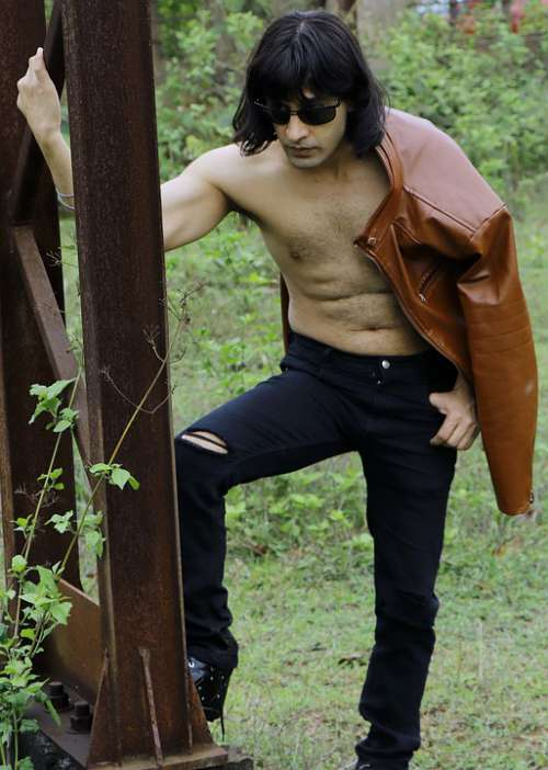 Fashion Fitness Long Hair Body Handsome Sexy Male