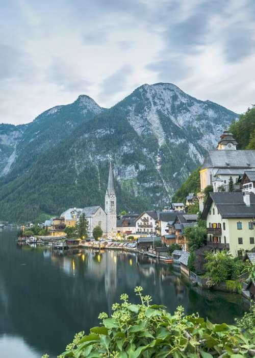Hallstatt Mountains Austria Lake Alpine Water