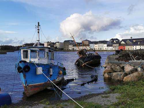 Boats Galway Ireland Claddagh Bay Long Walk