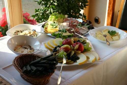 Breakfast Buffet Breakfast Buffet Roll Meal