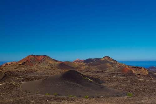 Champs De Lave Volcans Paysage Montagne Ciel Bleu