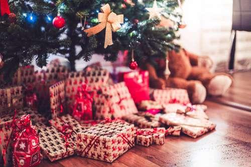 Christmas Tree with Presents on Christmas Eve Free Photo