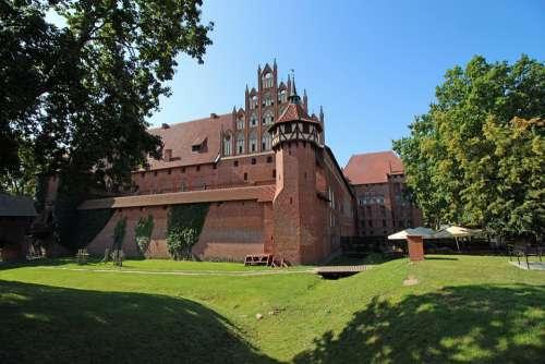 Malbork Castle The Crusaders Brick Lake Dusia