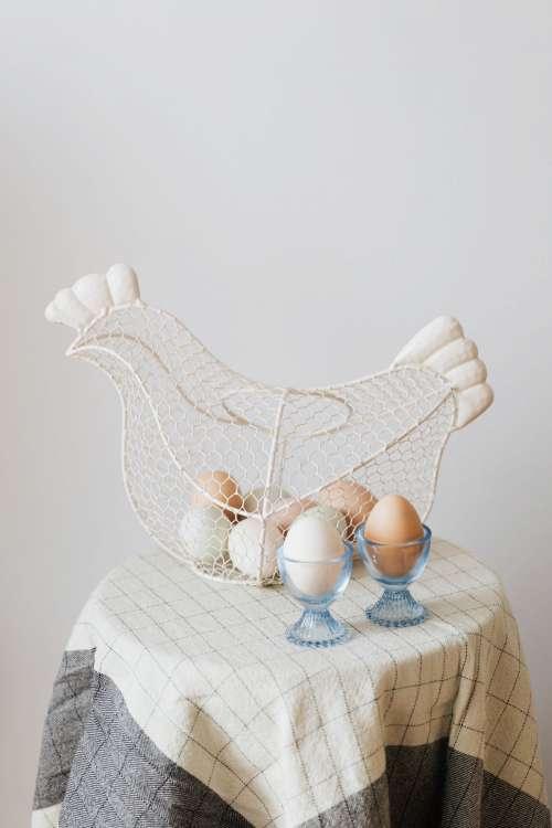Hen - shaped egg basket
