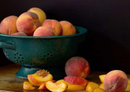 peaches fresh fruit slices organic