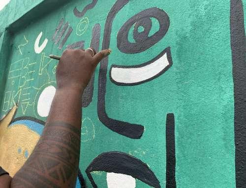 handmade, DIY, man, people, graffiti art, street art, brush, color, wall painting, effet graff, work, artist, festival, culture, gestural