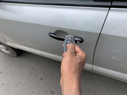key, car control, alarm, hand, people, road safety
