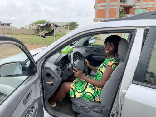 woman, smile, beauty, driver, car, facial expression, people, road trip, road safety, travel, means of transport