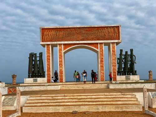 visitors, tourists, people, tourism, the door of no return, beach, monument, discovery, visit, walk, historic place, children, men, women