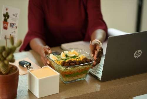 food, meal, computer, laptop, vegetable, flatware, lunch break, office, nutrition, diet, salad, fresh food, healthy food