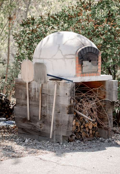 Outdoor Stone Fire Pizza Oven Photo