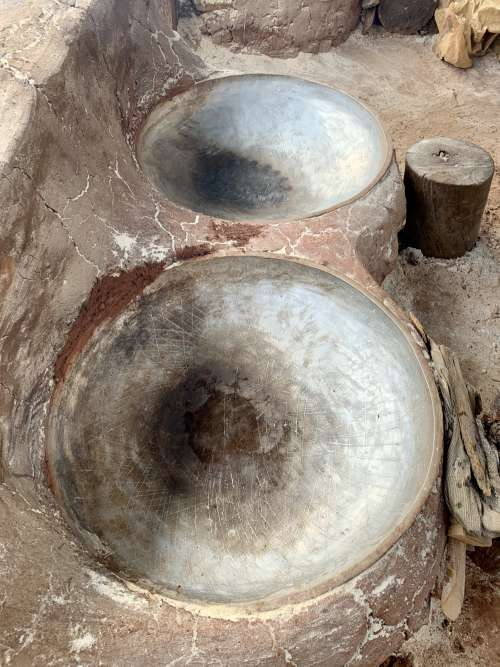 cooking, kitchen, cassava flour, traditional hearth, pot, clay, wood