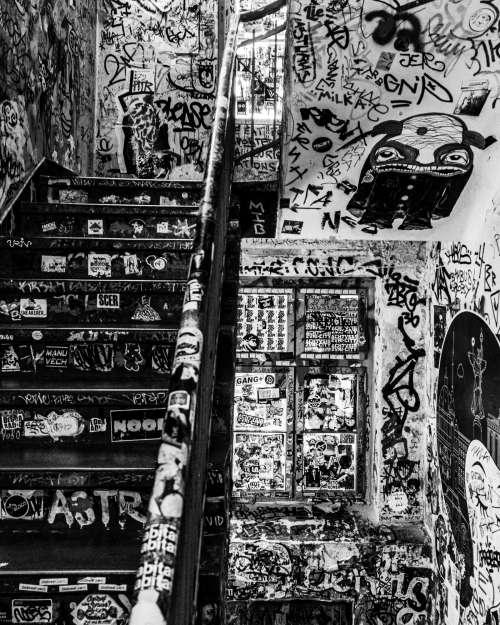 Graffiti black and white