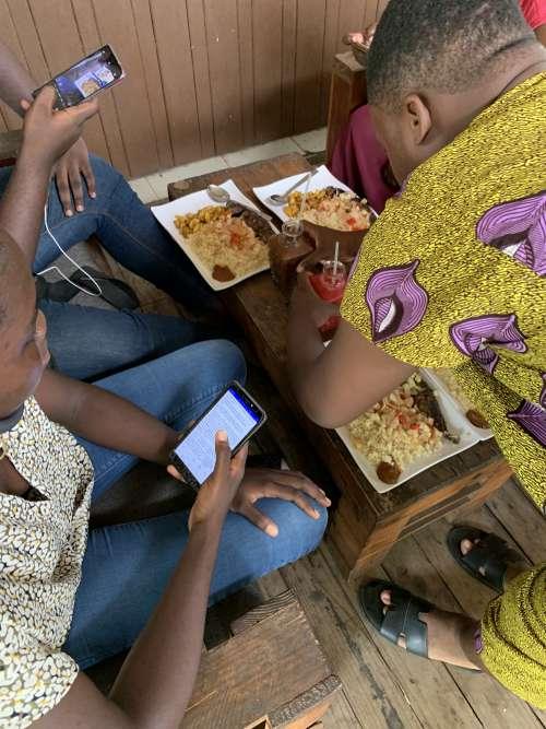 people, woman, man, friends, family, group, food, restaurant, snack, server, barman, waiter, taste, flavor, meal, dish, attieke, lunch, drinks, service, diet, nutrition