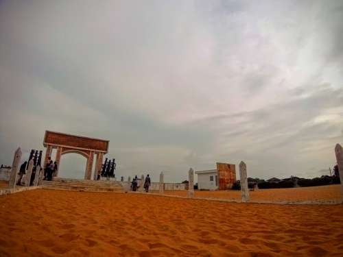 tourism, the door of no return, beach, monument, discovery, historic place