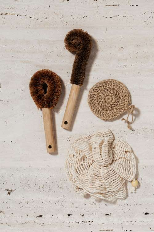 Various reusable kitchen and cosmetic tools